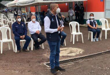 El Sr. Gobernador Departamental Obdulio Herrarte participó en LANZAMIENTO DEL CENTRO DE VACUNACIÓN DE COVID-19 en el complejo Deportivo del municipio de Barberena